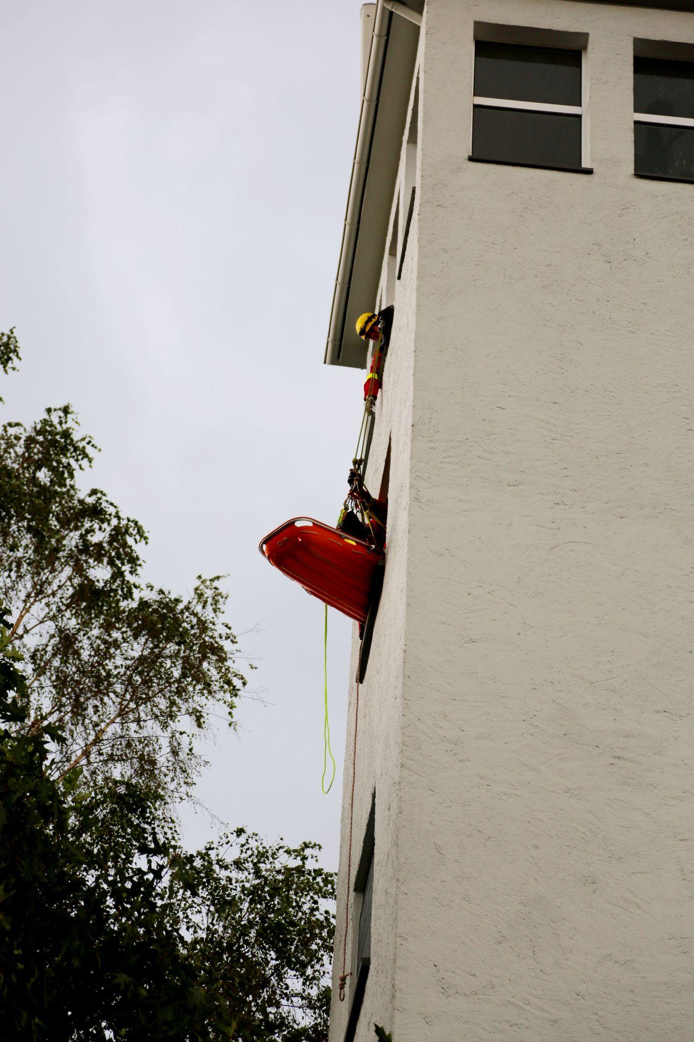 Übung der Höhenrettung