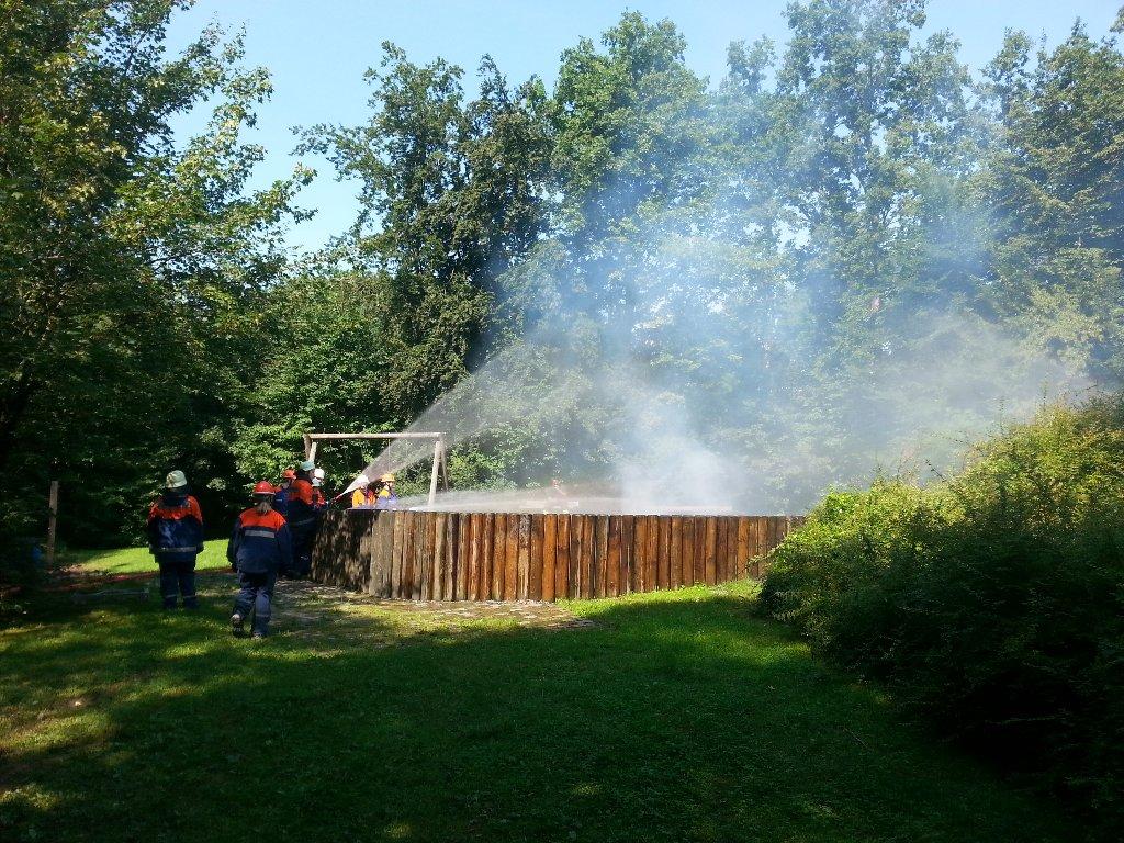 Einsatzübung mit der Jugendfeuerwehr Leonberg
