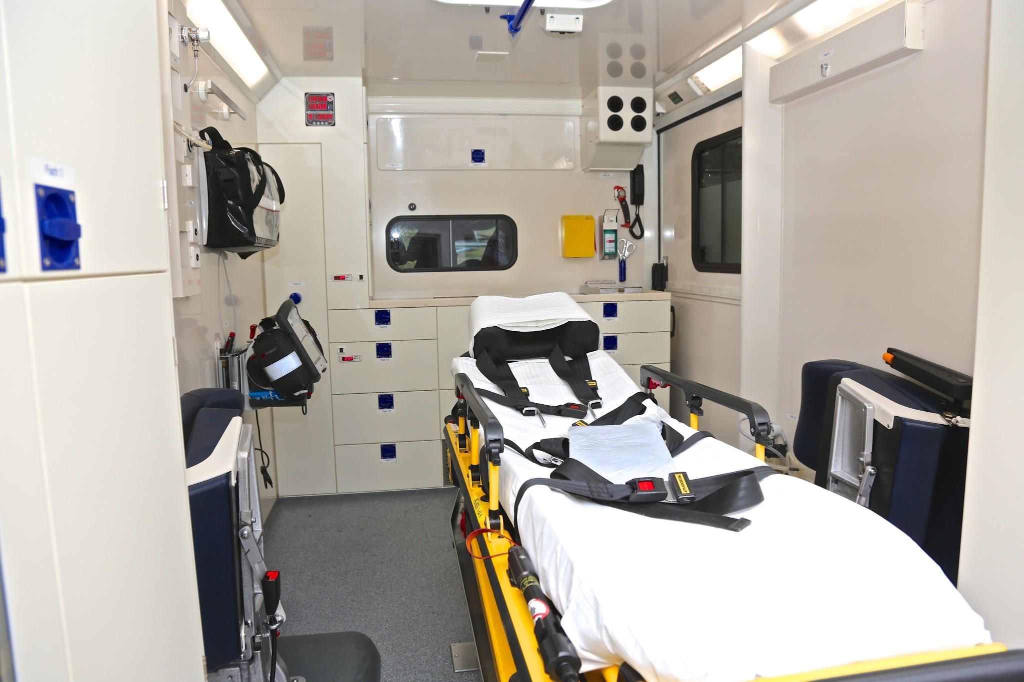 Blick in den Patientenraum des RTW.