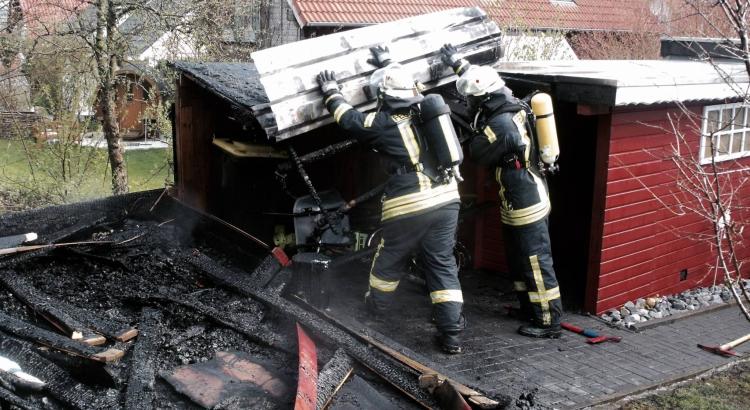 20160420 Feuer Buke Holzhütte